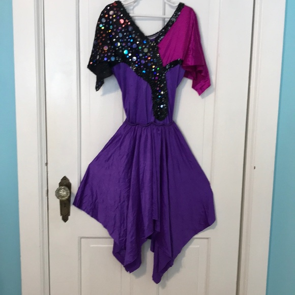 Dance costume with point skirt